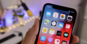Новая iOS 13 с исправленными багами.
